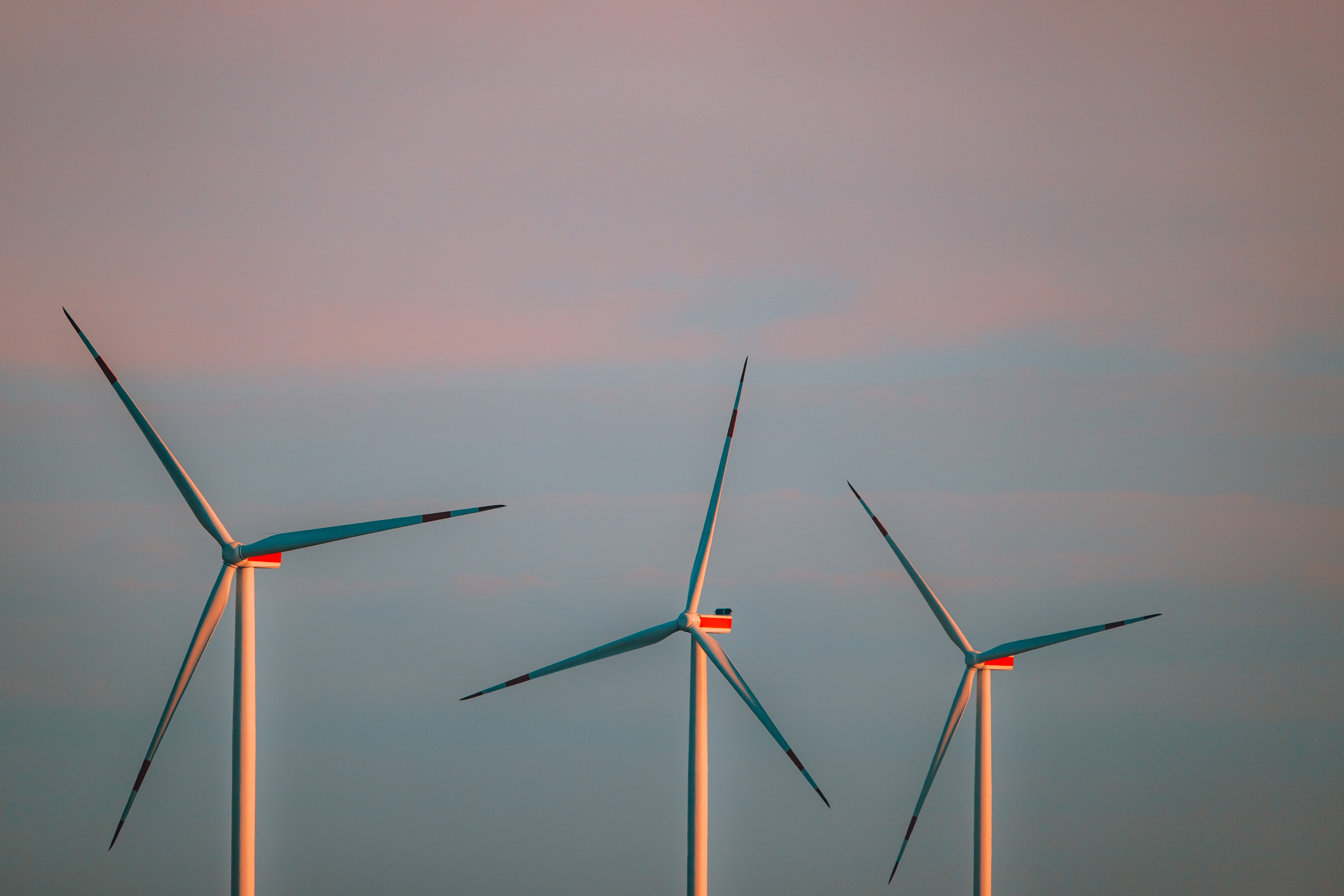 marcel-strauss-tr-dMQzXhI-unsplash-2 Renewable power, a good opportunity to encourage the global economic recovery